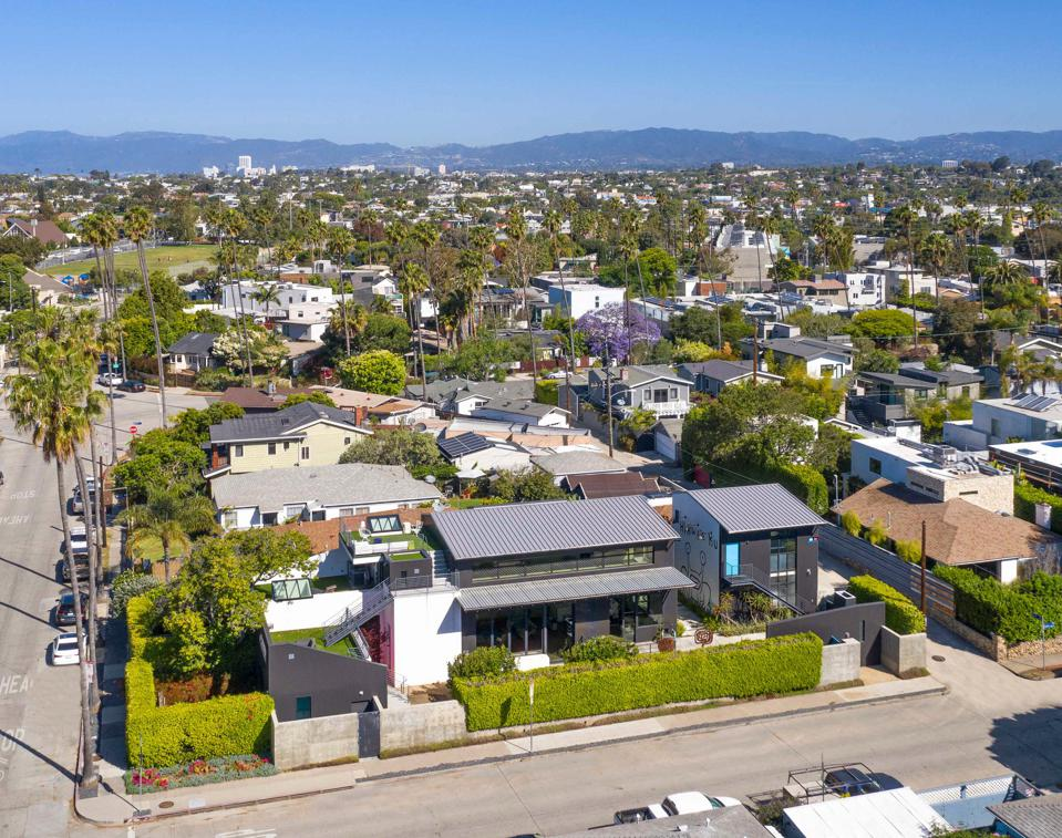 aerial view of todd piccus invader house venice beach 813 palms blvd