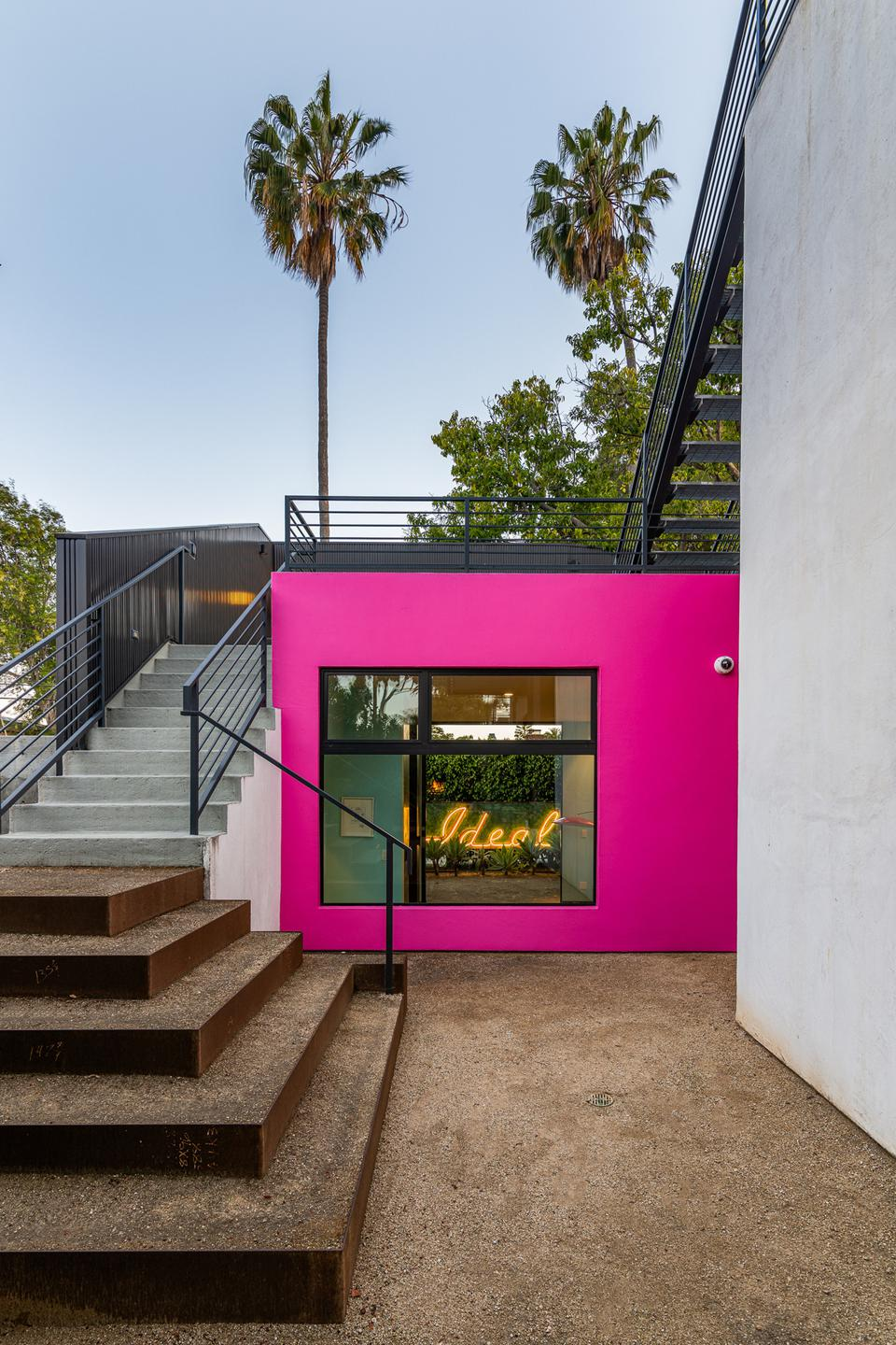 rear studio staircase todd piccus invader house venice beach 813 palms