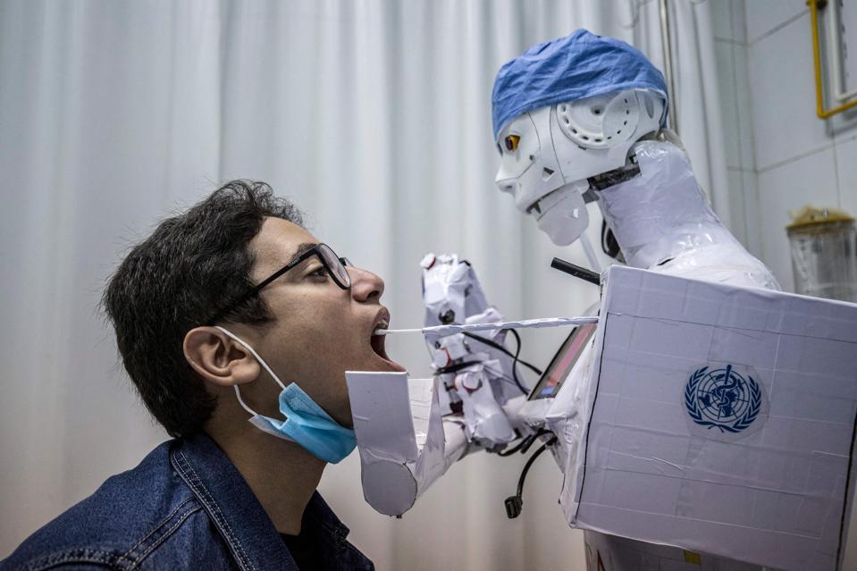 TOPSHOT-EGYPT-HEALTH-VIRUS-TECHNOLOGY