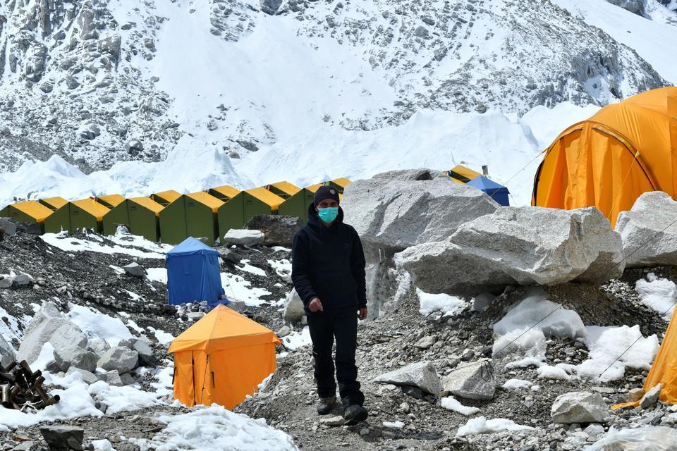 NEPAL-HEALTH-VIRUS-EVEREST-MOUNTAINEERING