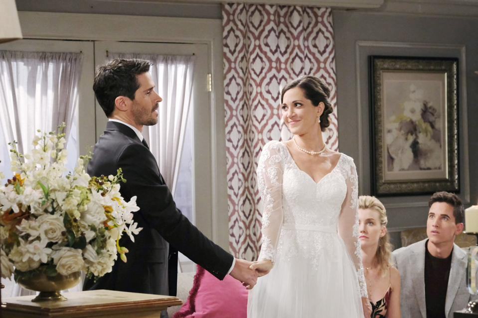 heather lindell boyd as jan spears in ″days of our lives″ wedding dress scene