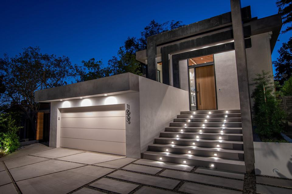 front exterior of contemporary silver lake home at 1653 Waterloo St, Los Angeles