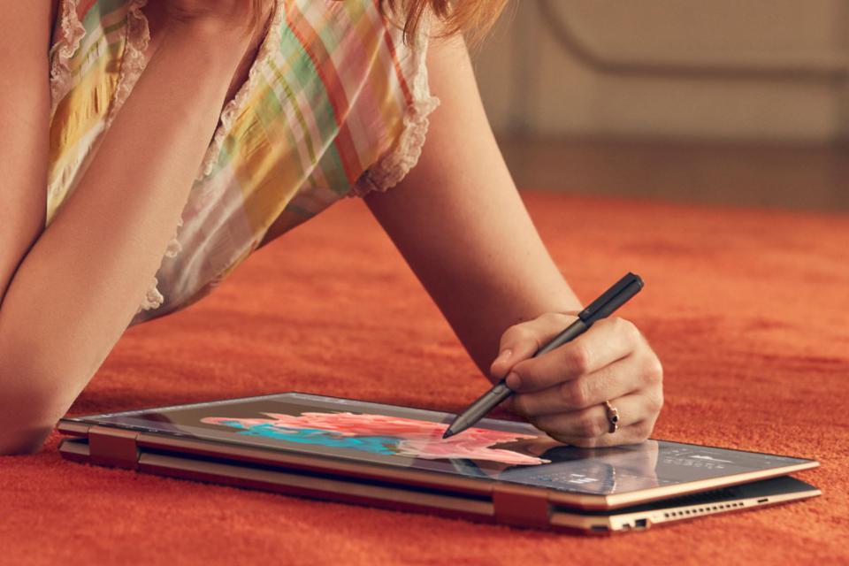 Girl drawing on HP Spectre X360