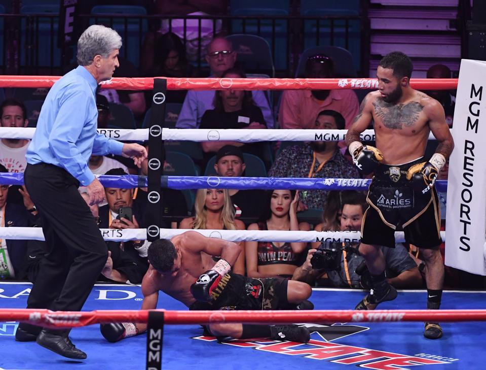 Luis Nery vs Brandon Figueroa odds records prediction