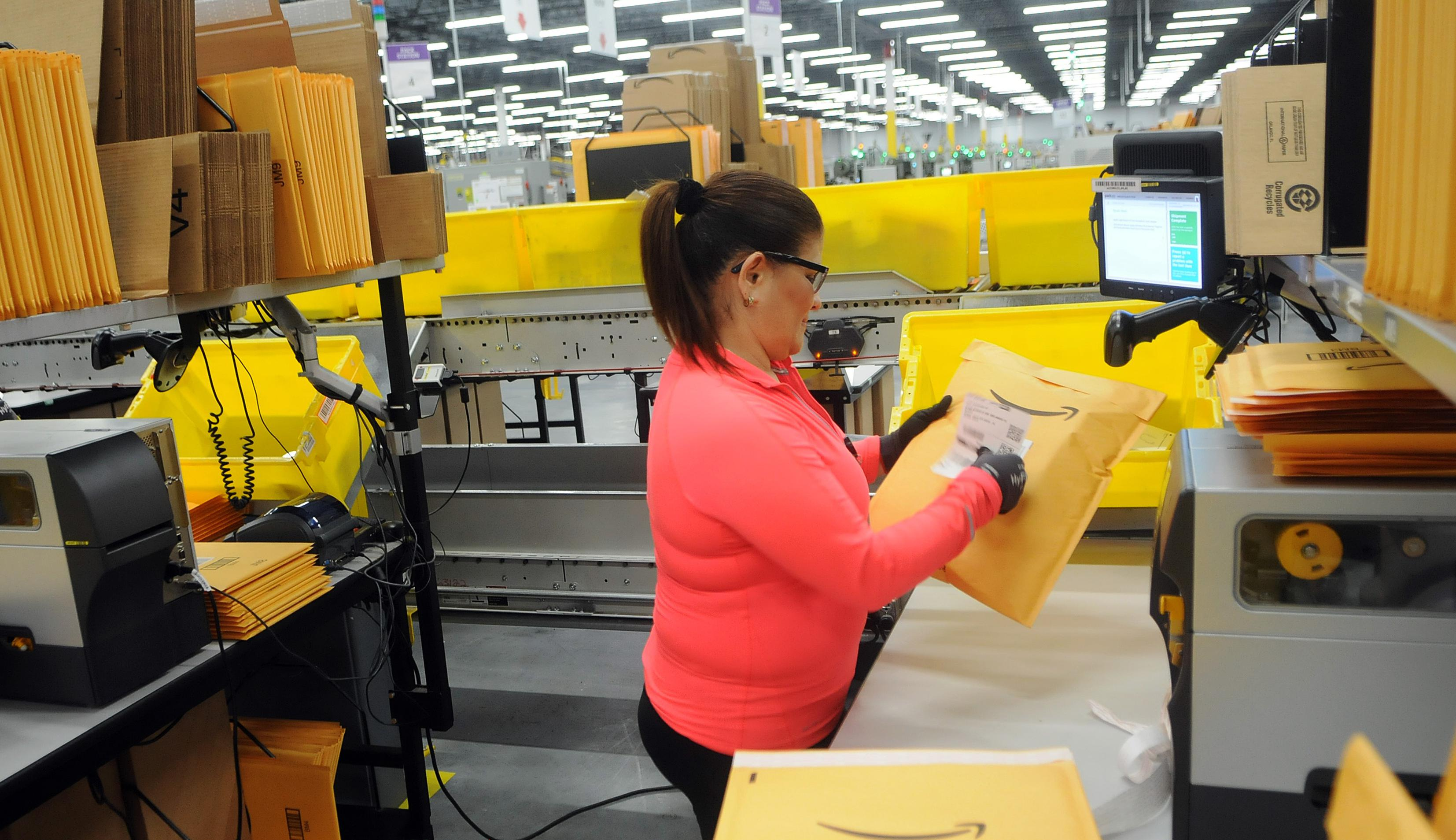 Amazon's newest robotics distribution center holds grand opening in Orlando