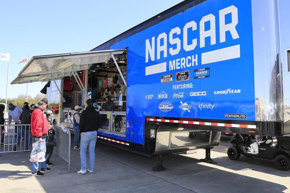 TỰ ĐỘNG: Ngày 20 tháng 3 Dòng xe tải thế giới cắm trại NASCAR - Fr8Auctions 200