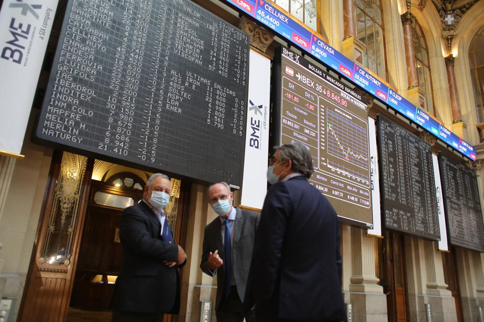 The Ibex 35 Falls Almost 2% In Mid-session And Loses 8,900 Points