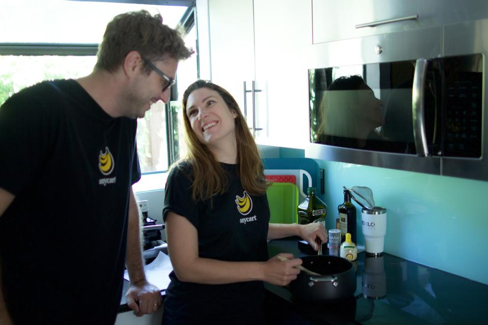 Anycart co-founders Silvia Curioni and Rafael Sanches.
