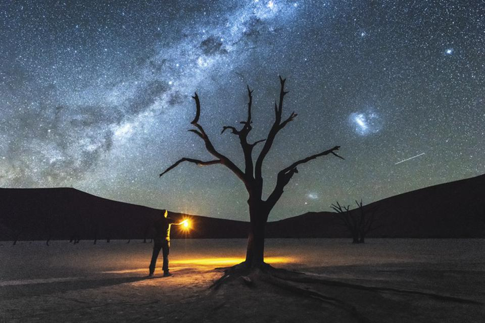 A team led by researchers at the University of Birmingham think they have figured out the age of around a hundred red giant stars—some of the oldest stars in our galaxy—some of which appear to pre-date the Milky Way's collision with another small galaxy called the Gaia-Enceladus-Sausage.