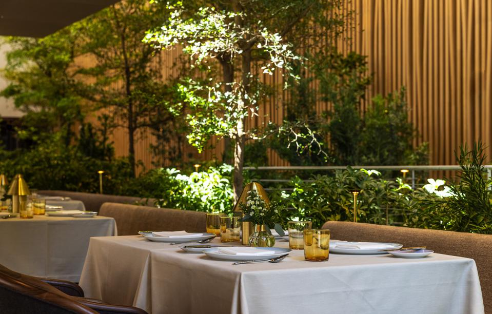 The architect Isay Weinfeld has created a mini High Line within Le Pavillon restaurant in Midtown.
