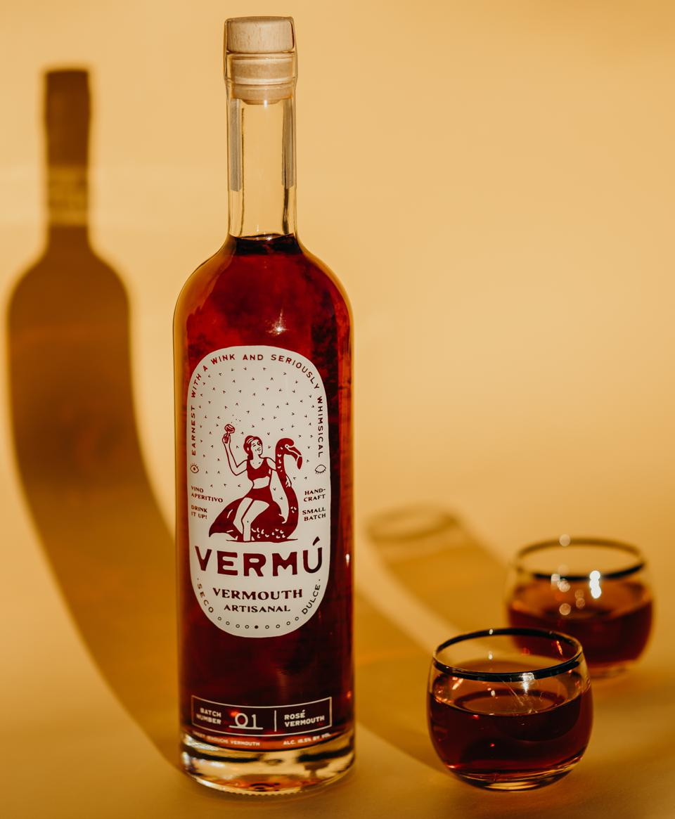 Bottle of The Wine Collective Vermú Rosé vermouth with 2 glasses