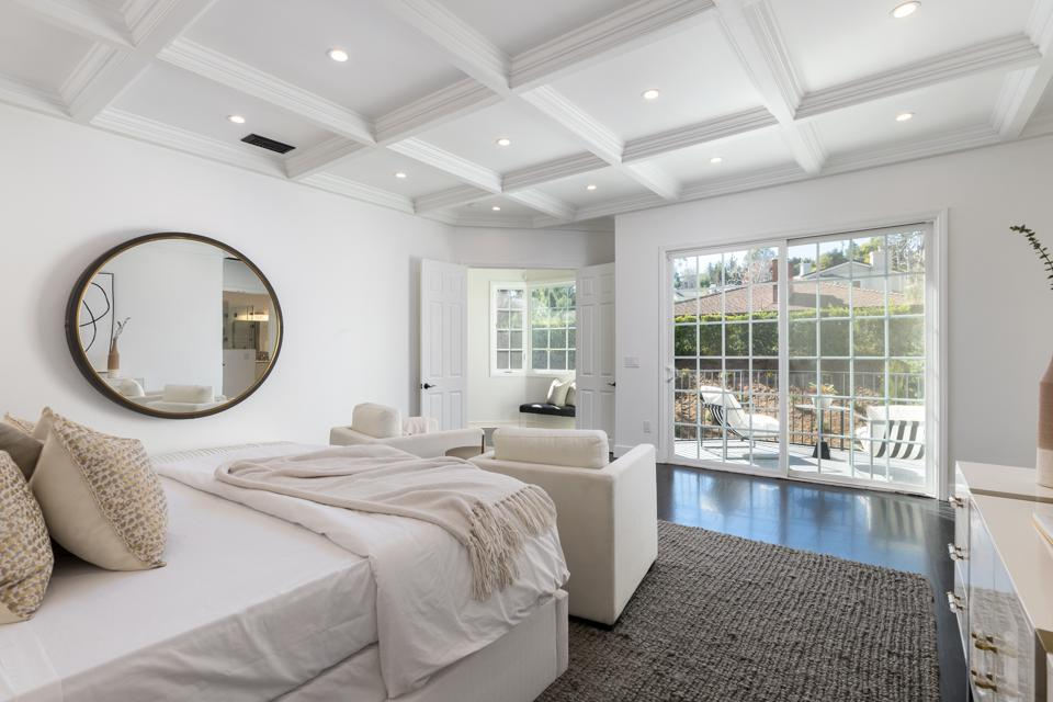 james shaffer primary bedroom suite beverly hills house 2833 deep canyon dr