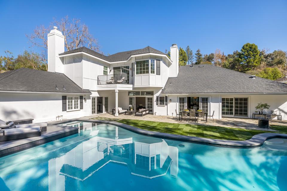 backyard exterior beverly hills house at 2833 deep canyon drive james shaffer korn