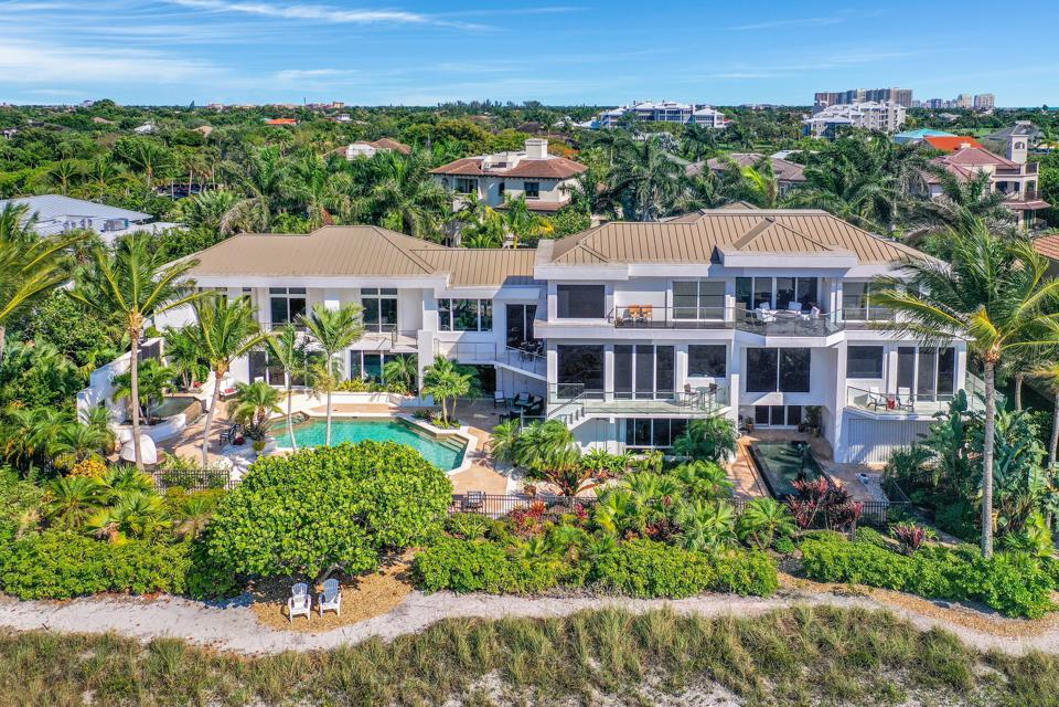 Beachfront mansion in Florida