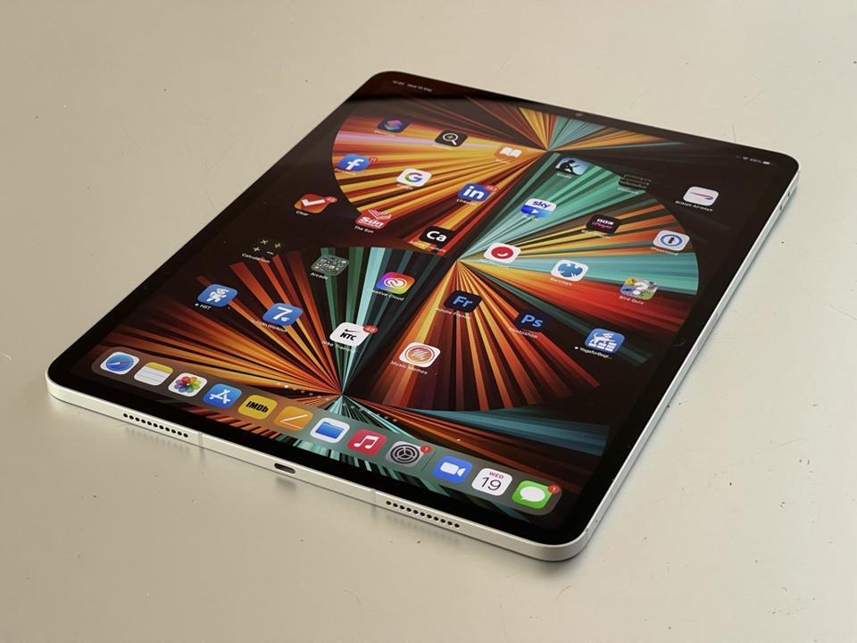 Apple iPad Pro en plateado.