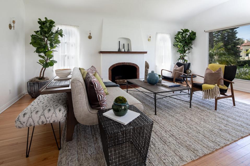 picfair village cottage living room los angeles steve hytner seinfeld house