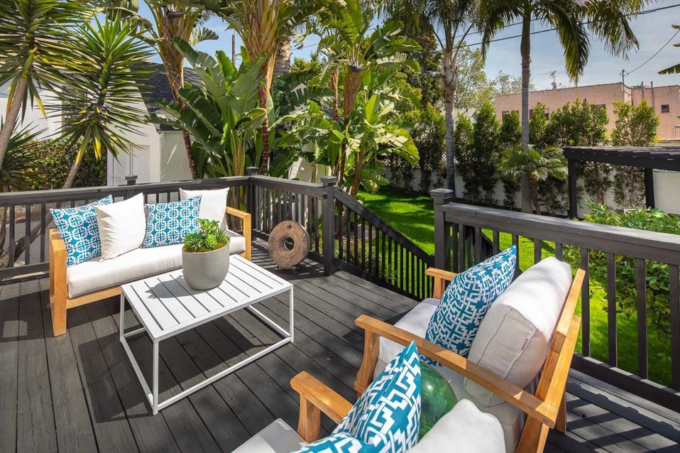 backyard deck landscape picfair village cottage los angeles celebrity home