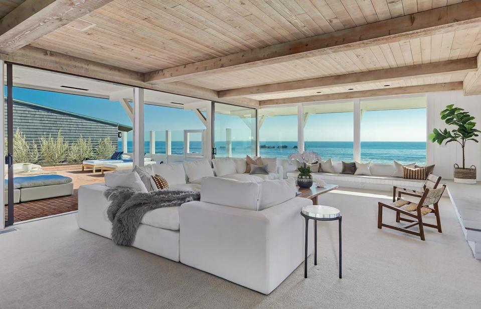 living room inside beachfront house 23334 Malibu Colony Rd Malibu, CA, USA
