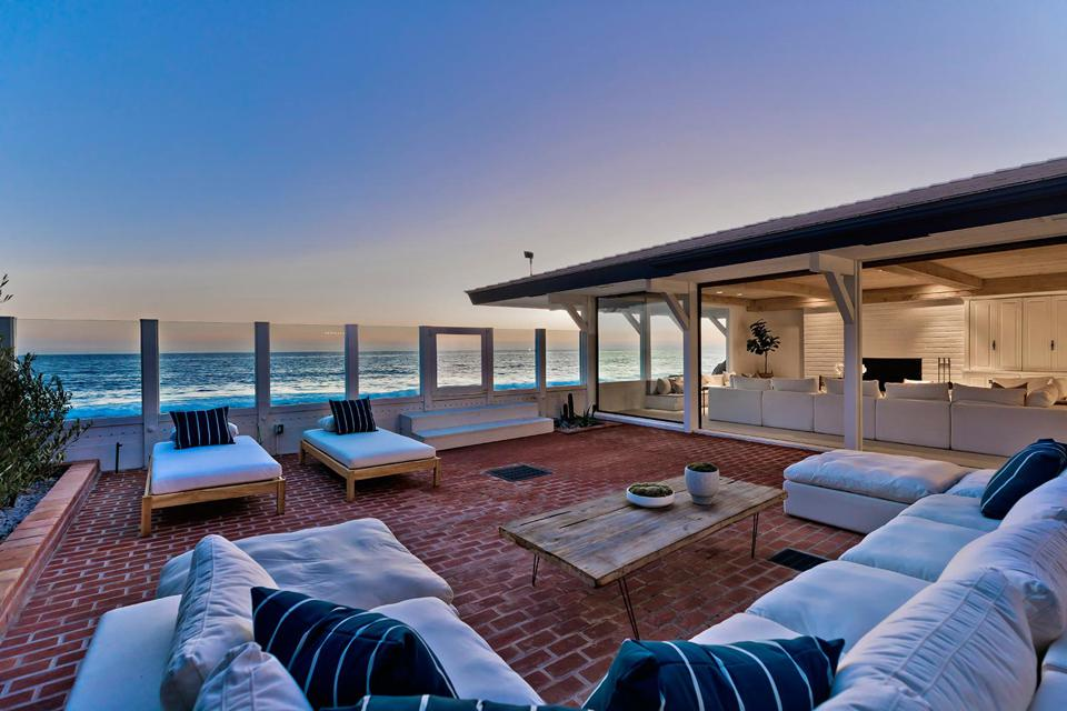 brick courtyard living room looking at ocean 23334 Malibu Colony Road