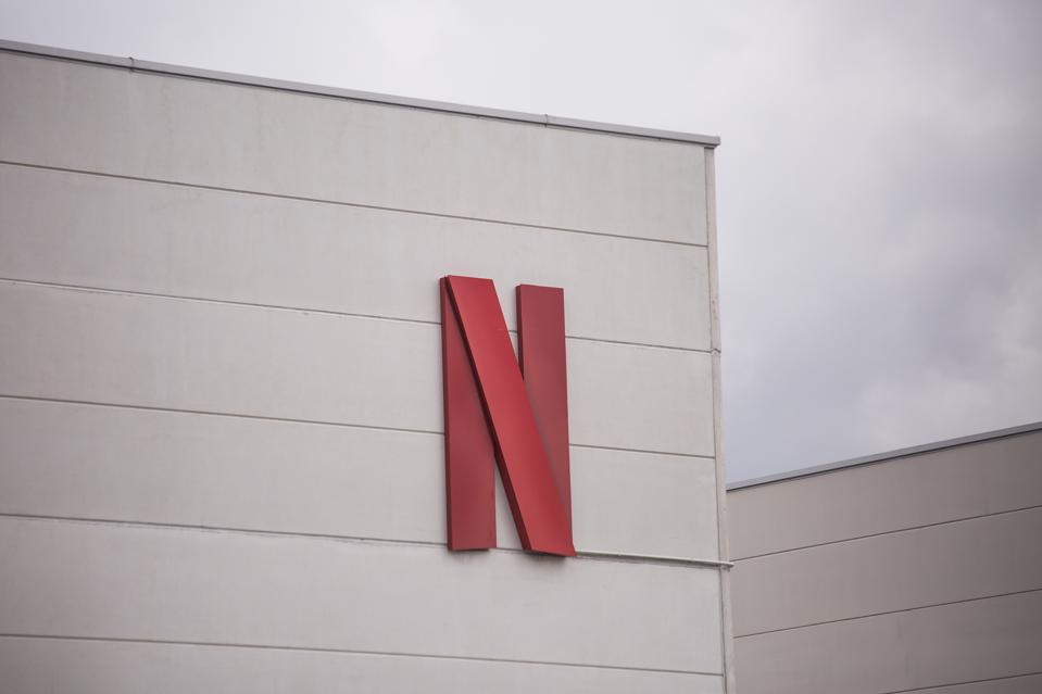 Reyes Maruto bertemu dengan perwakilan Netflix Spanyol