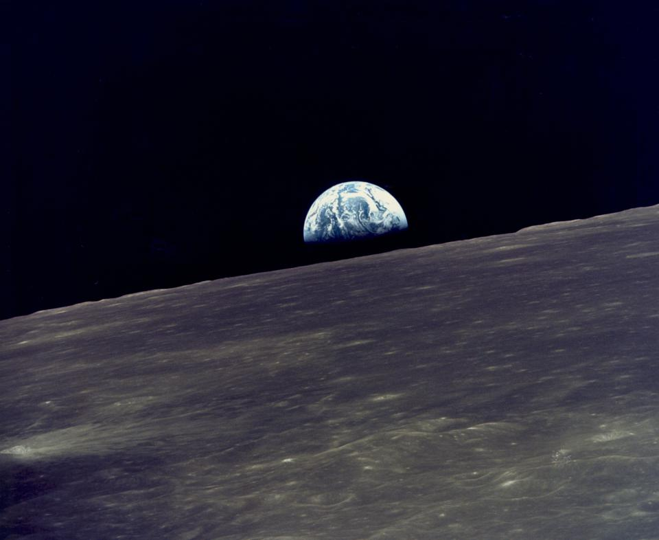 Earthrise Over The Moon  - 960x0 - As Interest In Space Tourism Booms, New Research Shows What May Happen To The Body In Space