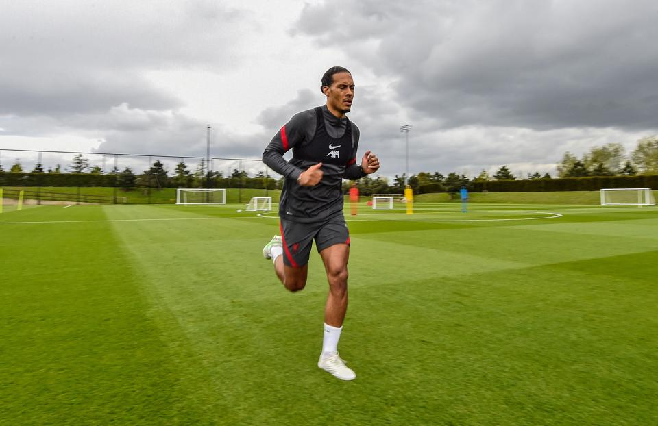 Virgil van Dijk Continues his Rehabilitation at Liverpool