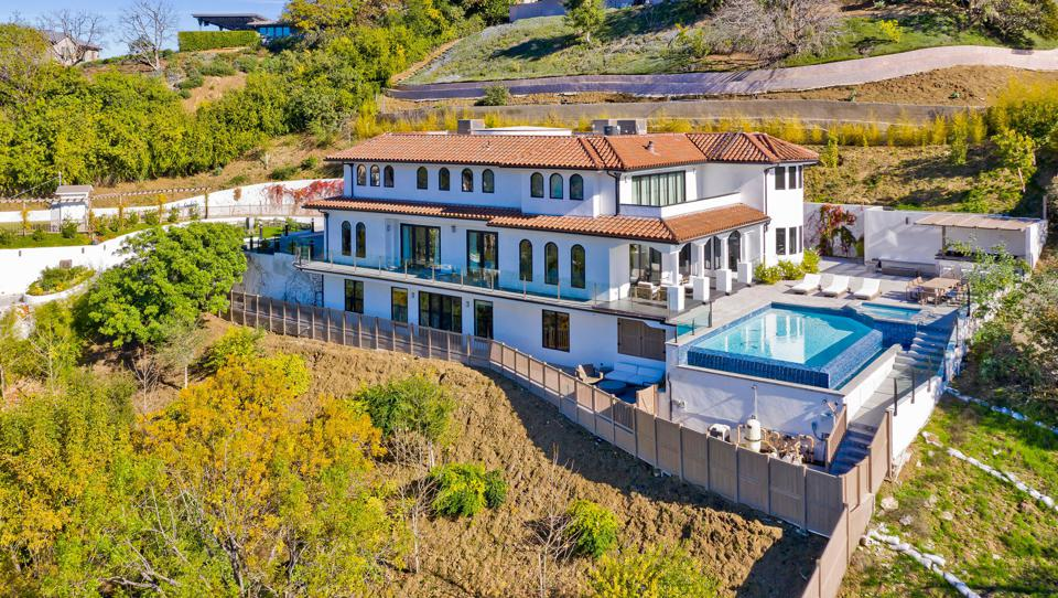 dwyane wade gabrielle union sold house at 15234 Rayneta Dr sherman oaks 5.5 million