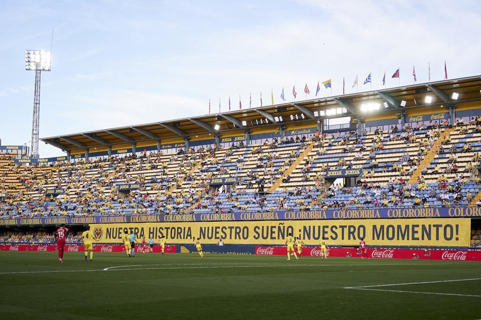 A wide shot of Villarreal's game against Sevilla in La Liga.