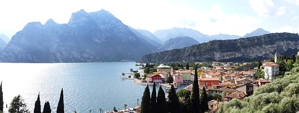 Torbole sul Lago di Garda, dove inizia la pista ciclabile della Valle dei Laghi.