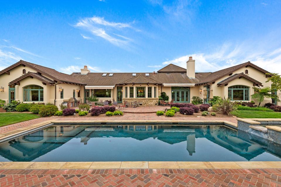 backyard and pool goleta house orchard 1130 Via Del Rey Santa Barbara, CA