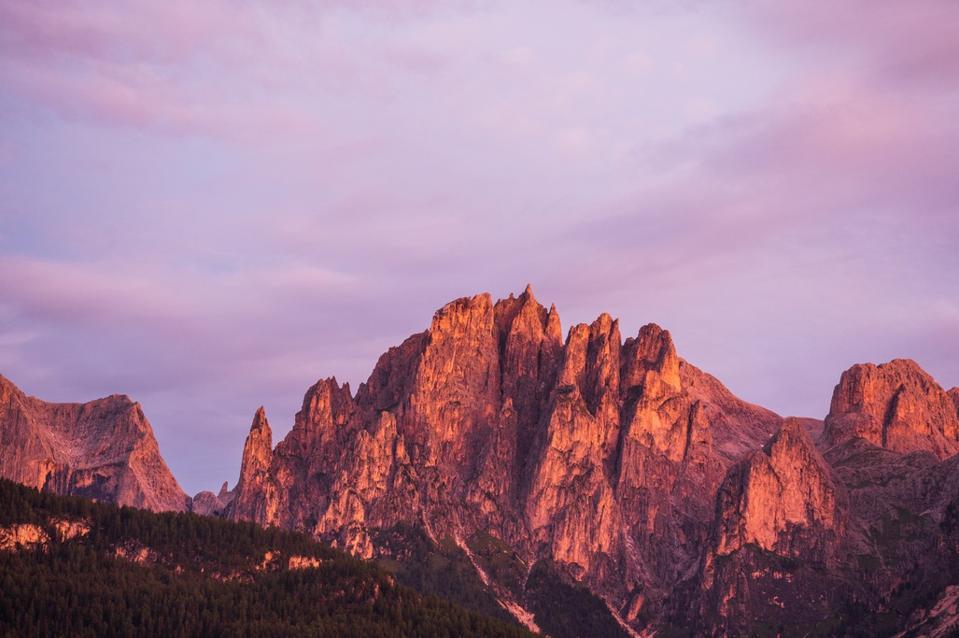 L'isolato del Catenaccio nelle Dolomiti, parte del quale si trova in Trentino vicino alla Val di Fassa.