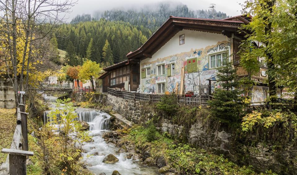 Casa a Canazei, il paese della Val di Fassa di cui parla il ladino.