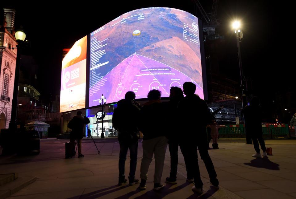 Live From Mars: Atterrissage de la persévérance de la NASA diffusé en direct sur Piccadilly Lights