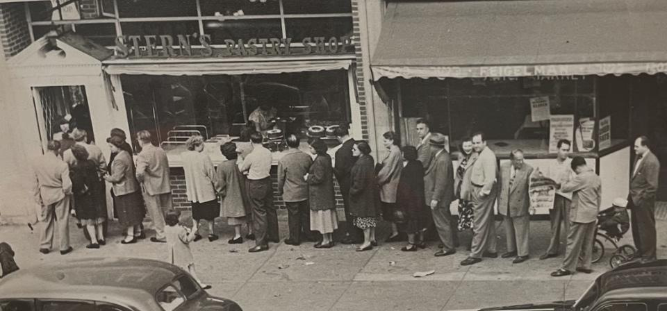 Stern's Pastry Shop in Midwood, Brooklyn with a long line out the door