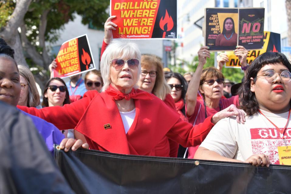 Jane Fonda And Greenpeace USA Bring Fire Drill Fridays To California
