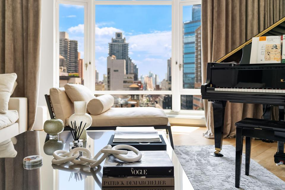 A stunning NYC apartment overlooks the city.
