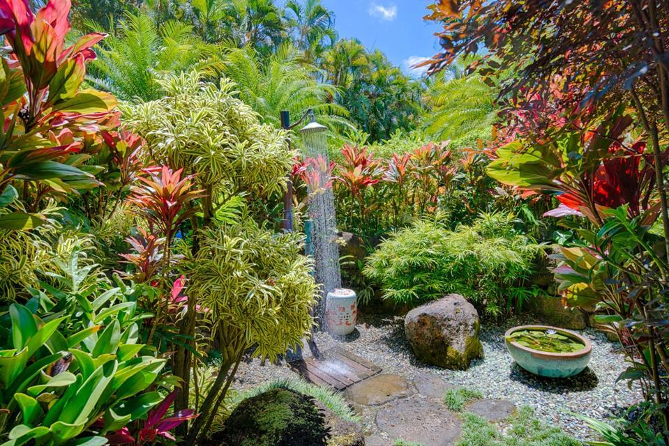 outdoor shower kauai north shore estate 3630 Anini Road