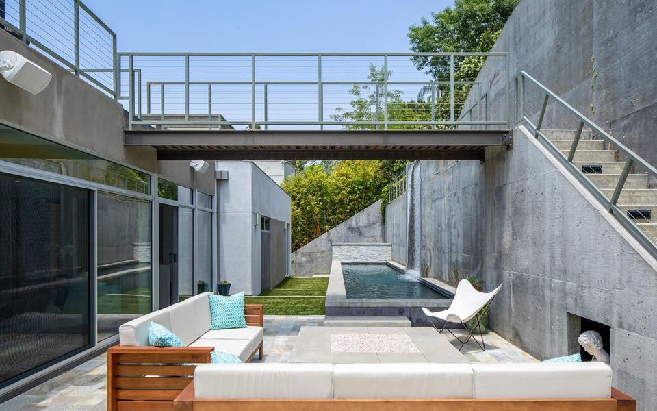 donald wexler hollywood hills house outdoor livin sapce spa 3274 knoll