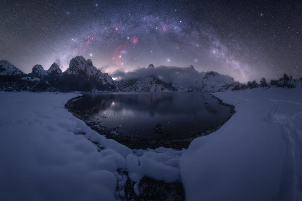 Riaño Mountain Reservoir, Spain stargazing