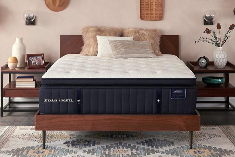 Stearns and Foster Lux Estate Cassatt 15″ Luxury Plush Euro Top Mattress