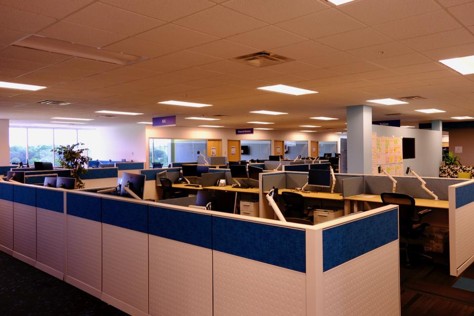Image of an empty office at Allianz Partners in Richmond, Va.