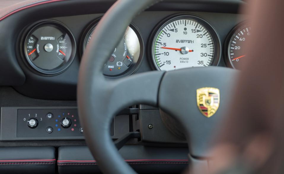 Dashboard of electric Porsche 911 (964) by Everrati