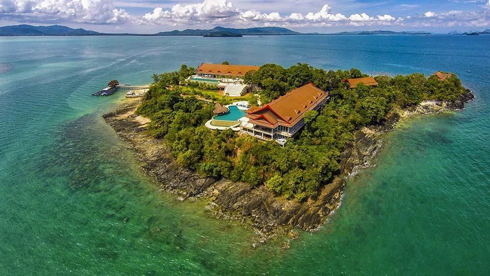 A small island with three Thai villas
