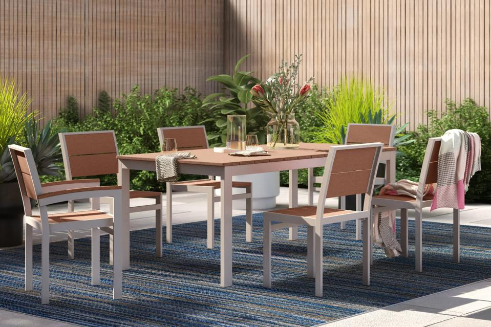 Wayfair memorial day sale: outdoor dining set on patio