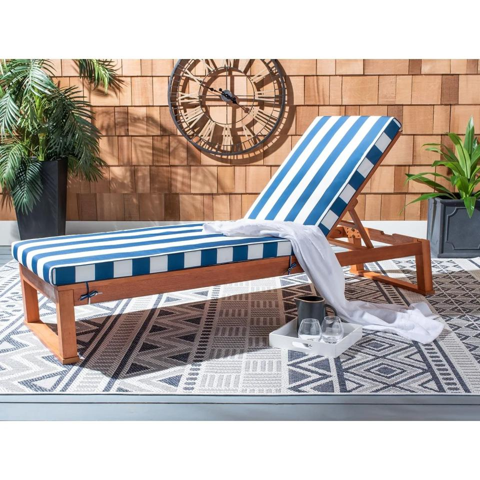 Memorial day furniture sales: Safavieh Outdoor Living Solano Sunlounger