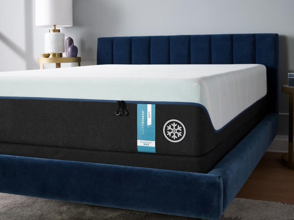 Memorial day mattress sales: TEMPUR-breeze°   Tempur-Pedic