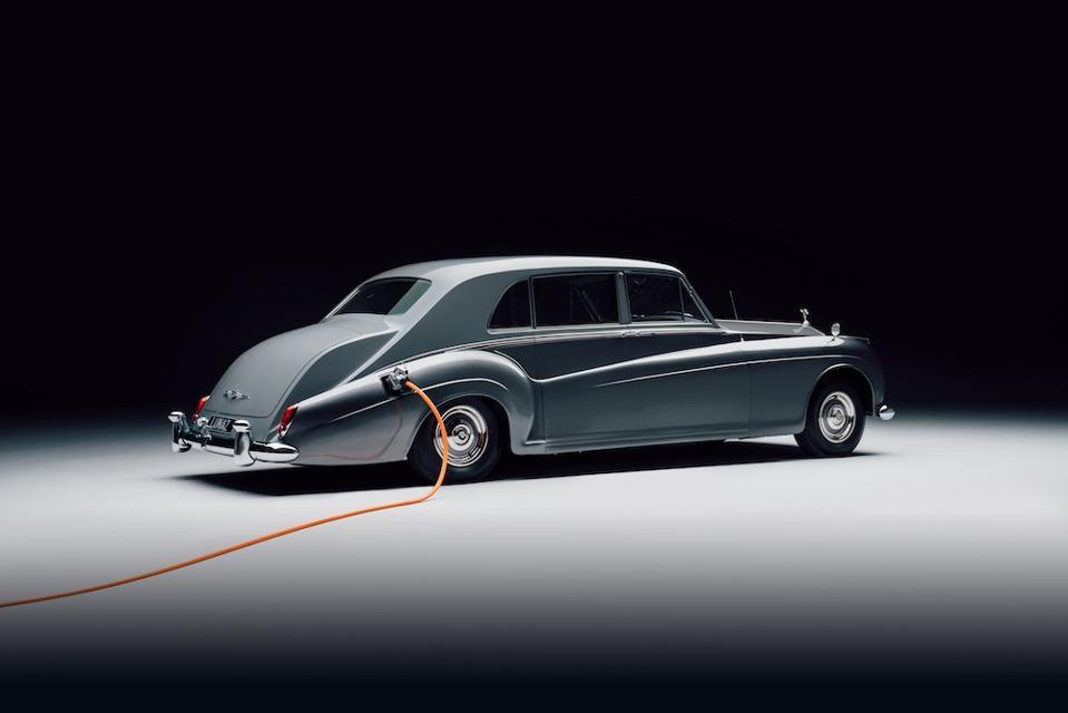 1961 Rolls-Royce Phantom V electrificado de Lunaz