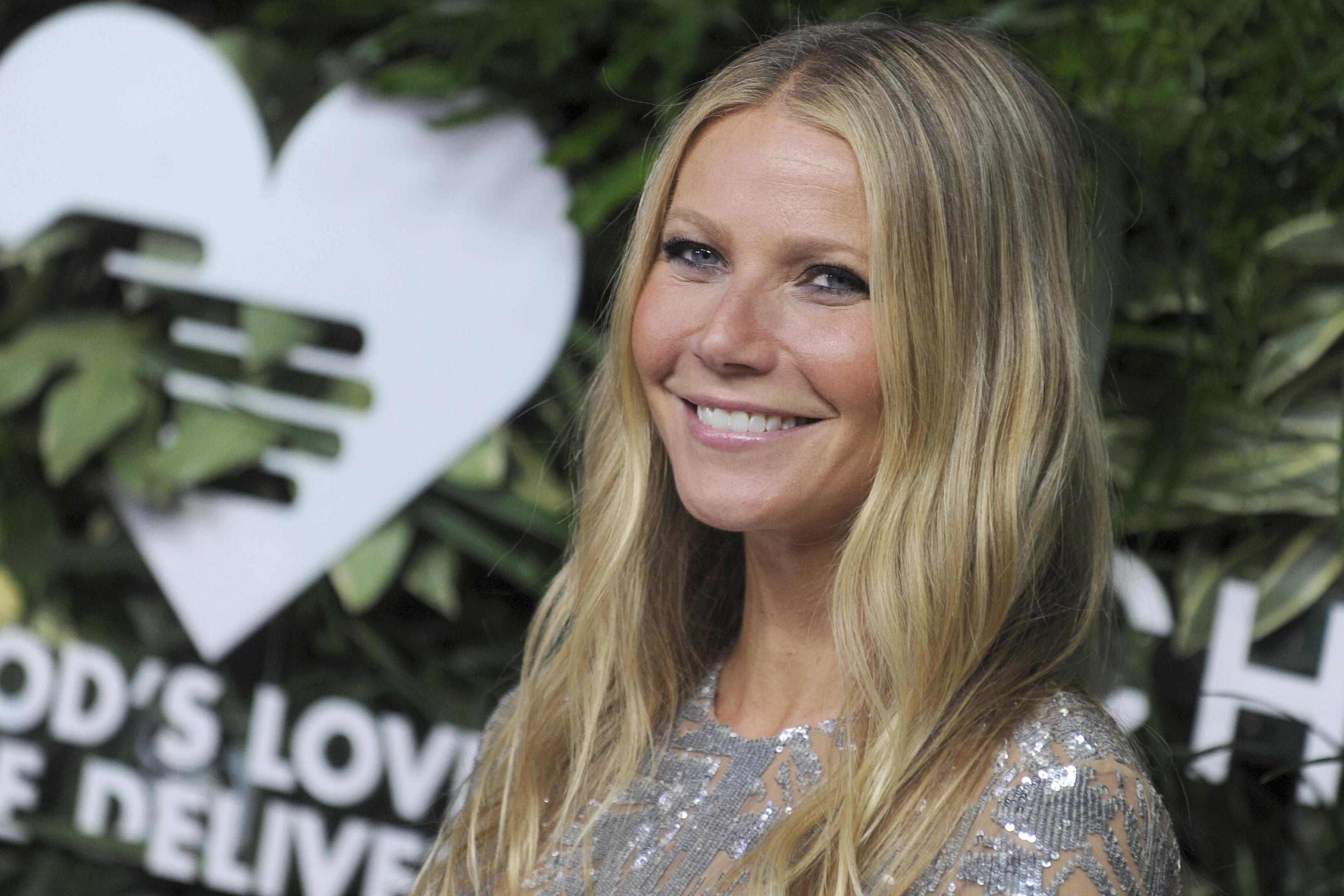 Gwyneth Paltrow reveals she suffered coronavirus ″early on″