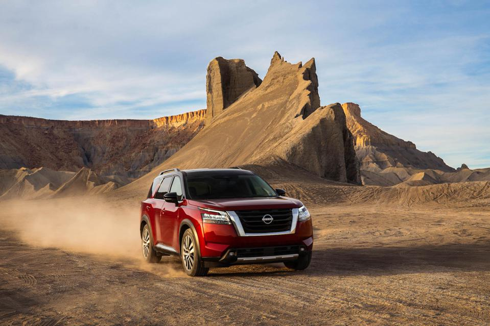 2022 Nissan Pathfinder Off Road Driving