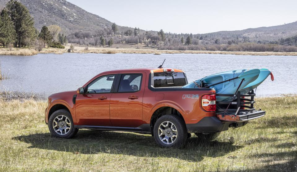 2022 Ford Maverick Kayak